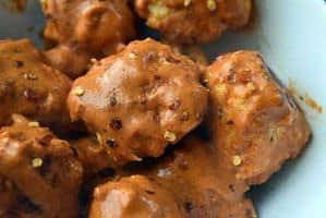 spicy peanut meatballs