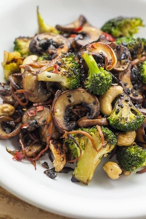 Whole30-Broccoli-and-Mushroom-Stir-Fry-Vegan-Stir-Fry