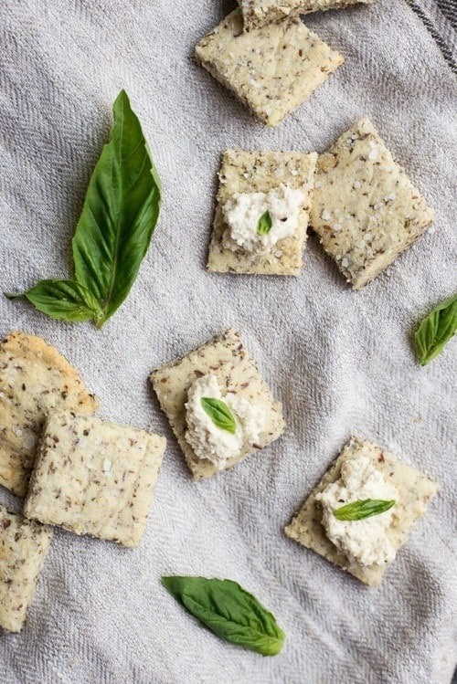whole30-garlic-herb-almond-flour-crackers